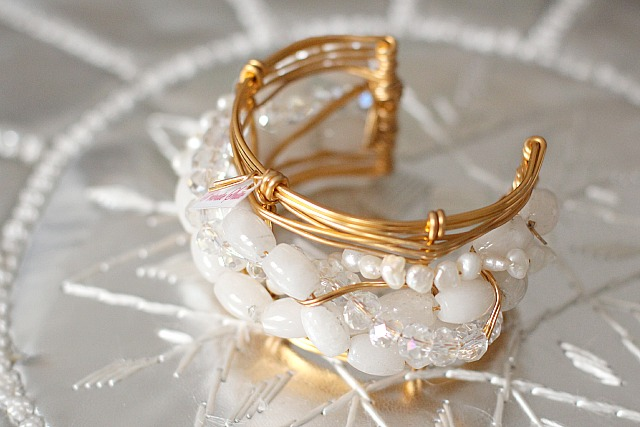 private suite twirl gold white bracelet