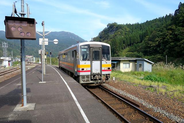 大糸線 平岩駅