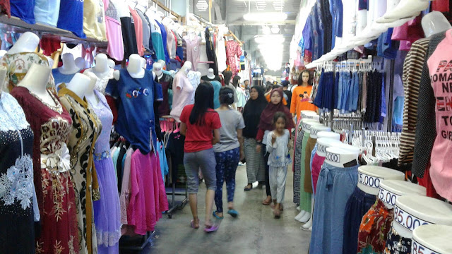 Pakaian Menjadi Produk Yang Paling Diincar Pembeli