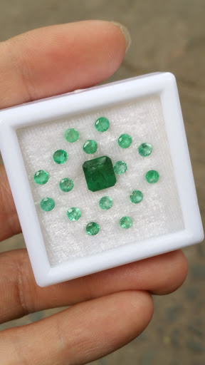 Đá Emerald thiên nhiên, Ngọc Lục Bảo vuông và tấm tròn 3ly