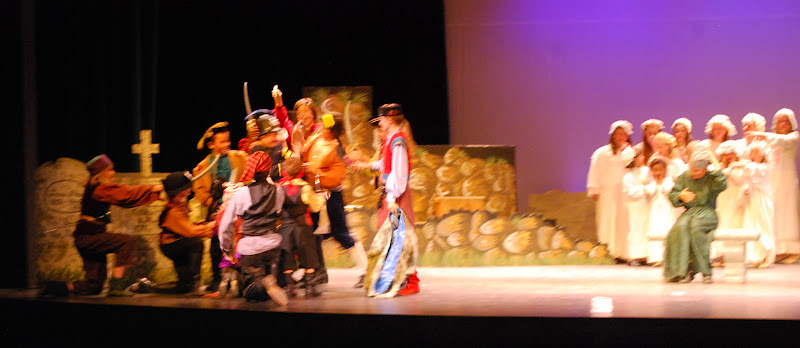 2012PiratesofPenzance - DSC_5931.JPG