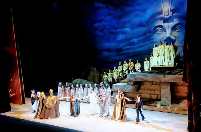 Con una monumental puesta en escena de Aída, el Teatro Colón celebró su 110º aniversario