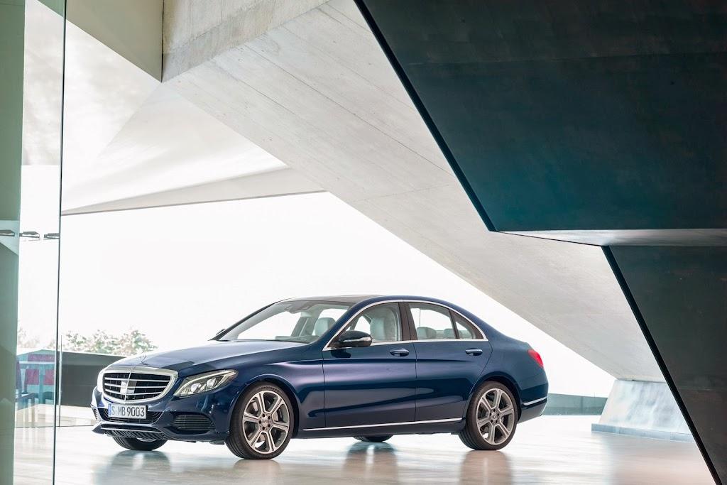 2014-Mercedes-C-Serisi-11