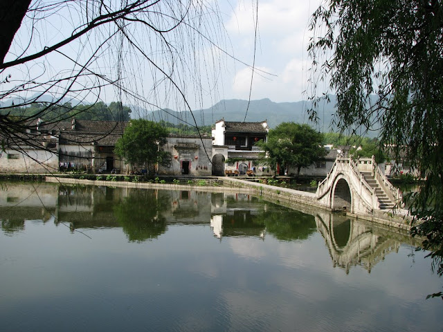Hongcun Village, one of the famous scenes of the Crouching Tiger, Hidden Dragon movie