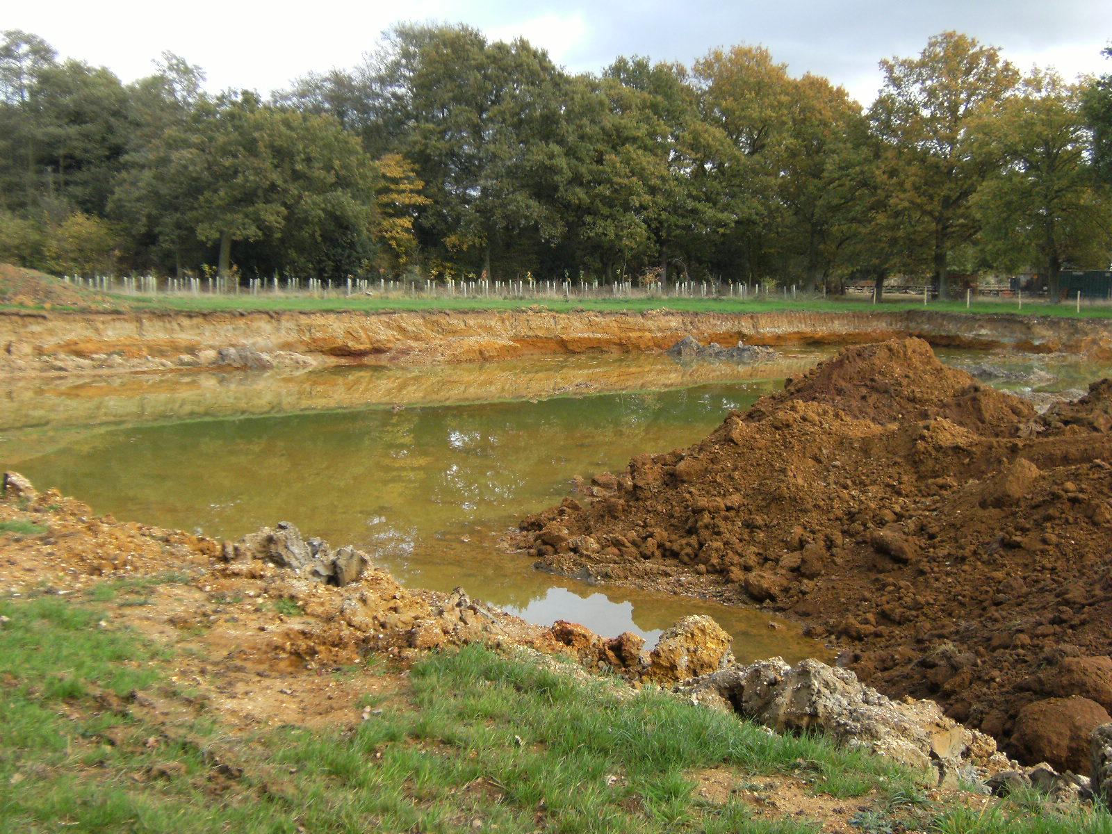 DSCF2282 Sand & gravel workings in Blackwater Valley