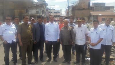Anggota DPRD Propinsi Jambi DAPIL Kerinci Menyambangi Lokasi Kebakaran Pasar Sungai Penuh