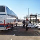 5 - bus met een 10 tal nucleaire industriëlen.