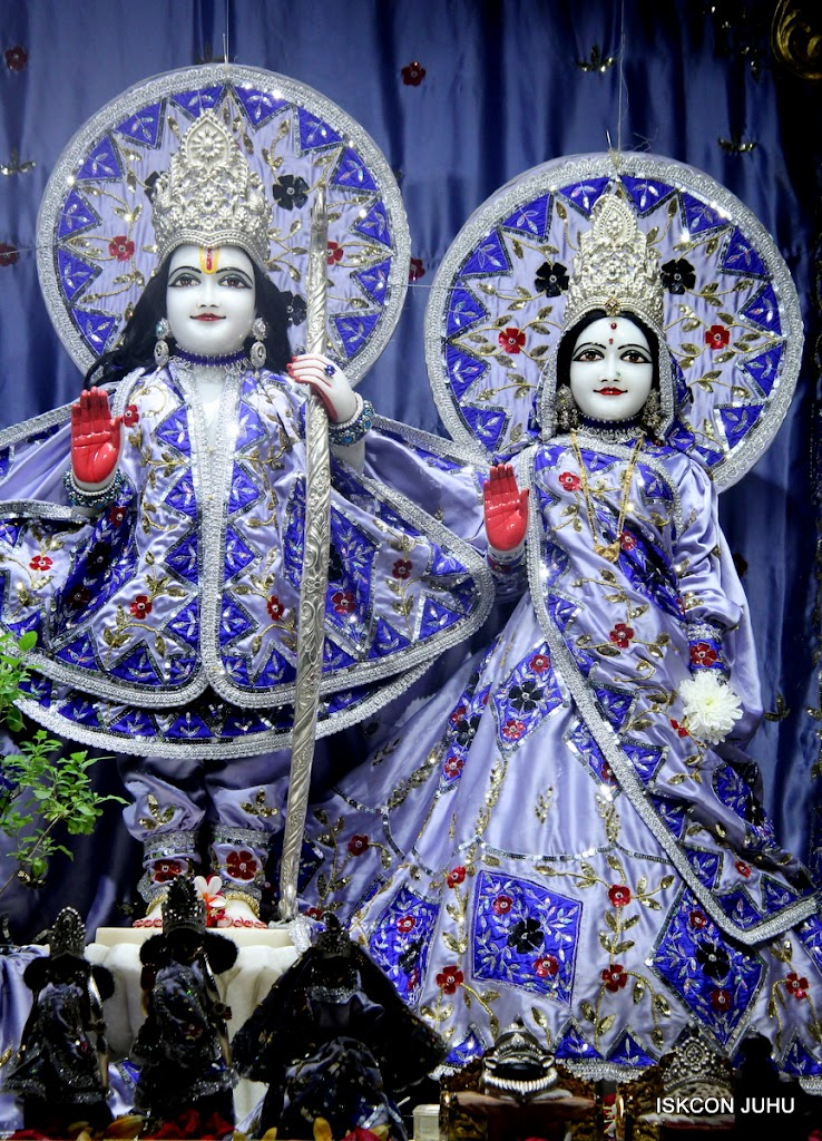 ISKCON Juhu Mangal Deity Darshan on 4th Aug 2016 (5)