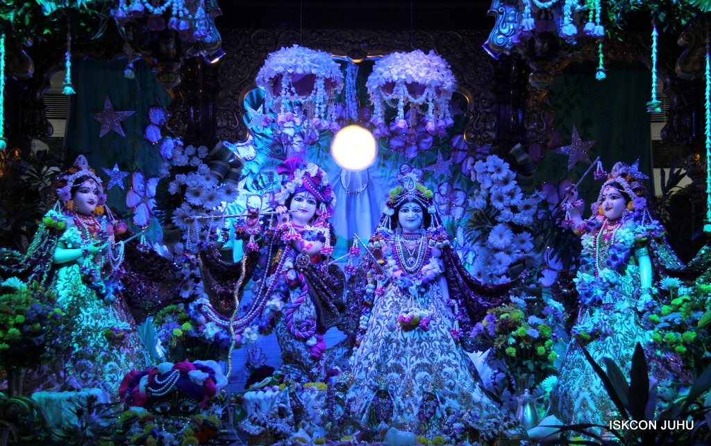 Sharad Purnima Deity Darshan on 16th Oct 2016 (24)