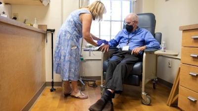 Entenda como funciona o novo remédio contra Alzheimer aprovado nos EUA