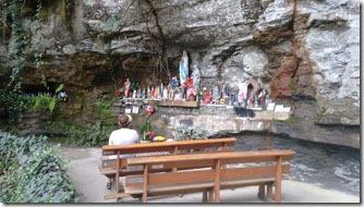 gruta-nossa-senh-de-lourdes-3