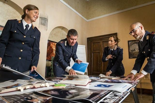 Calendario della Polizia di Stato 2021: il ricavato della vendita finanzierà il progetto Unicef per l'emergenza Coronavirus in Italia e nel mondo.