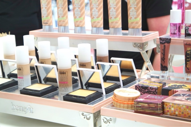 Contour Masterclass with Benefit