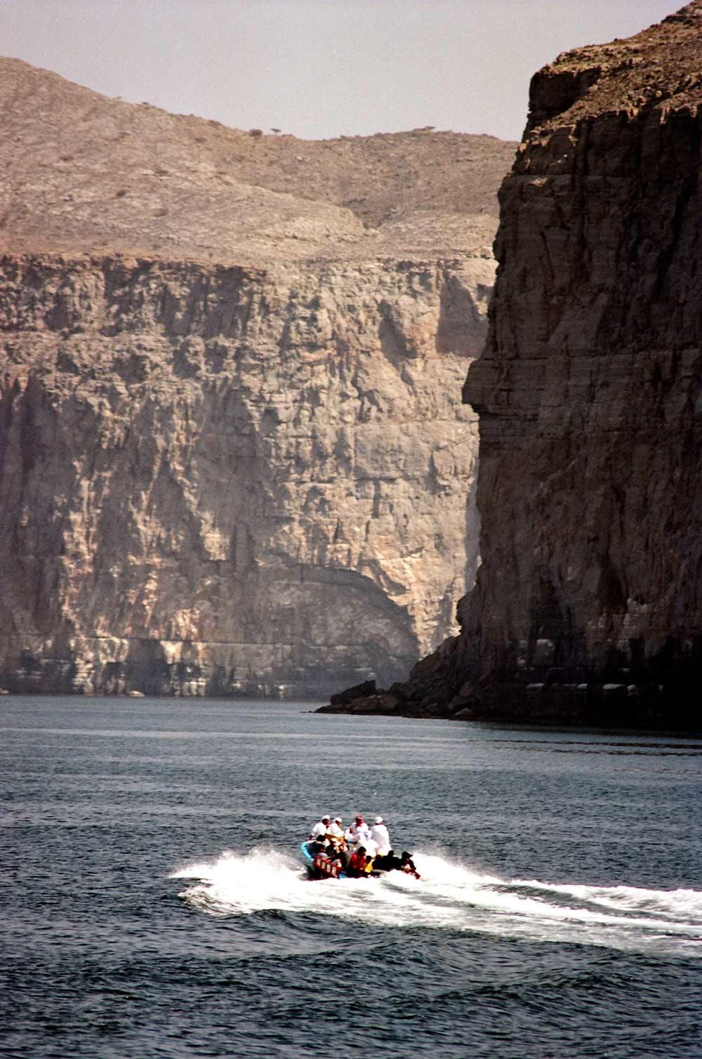 Oman - Canyon river boat