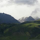 Le Kungey Alatau depuis la vallée de Kyzyl Aksu. 3 juillet 2006. Photo : J.-M. Gayman
