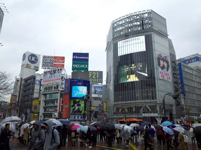 渋谷のスクランブル交差点のQフロント