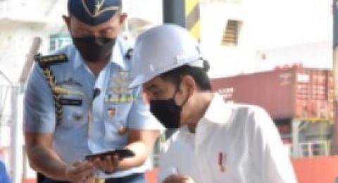 Jokowi Minta Tolong Kapolri : Banyak Driver Dipalak Preman, Tolong Diselesaikan