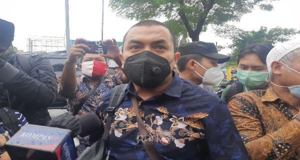 Terduga Teroris Punya Atribut FPI, Aziz Perlihatkan Foto Anggota ISIS Berseragam Polisi