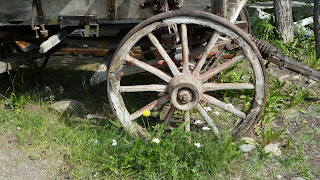 wagon wheel detail