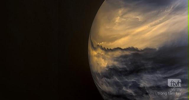 Sao Kim về đêm qua ánh sáng hồng ngoại chụp bởi tàu Akatsuki