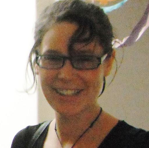 Becky White Photo 34