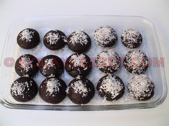 KAKAOLU-ISLAK-KURABİYE-(Brownie-kurabiyesi,-Şerbetli Kurabiye)