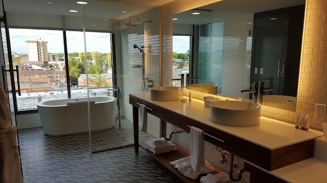 What a tub view! Art and Luxury: Where to stay in Columbus, Ohio