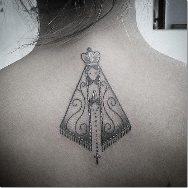 el_tatuaje_de_nuestra_señora_de_aparecida_se_adapta_perfectamente_en_cualquier_area_del_cuerpo