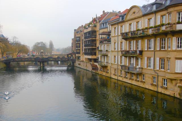 Metz housing along the River Seille