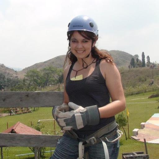 Vivian Flores