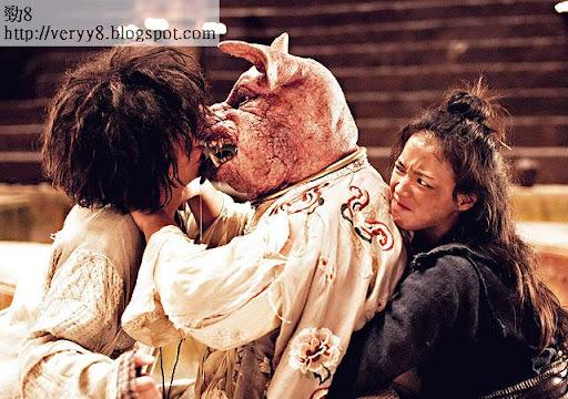 星爺拍《西遊》期間,逼文章啜吻豬頭,認真難受。