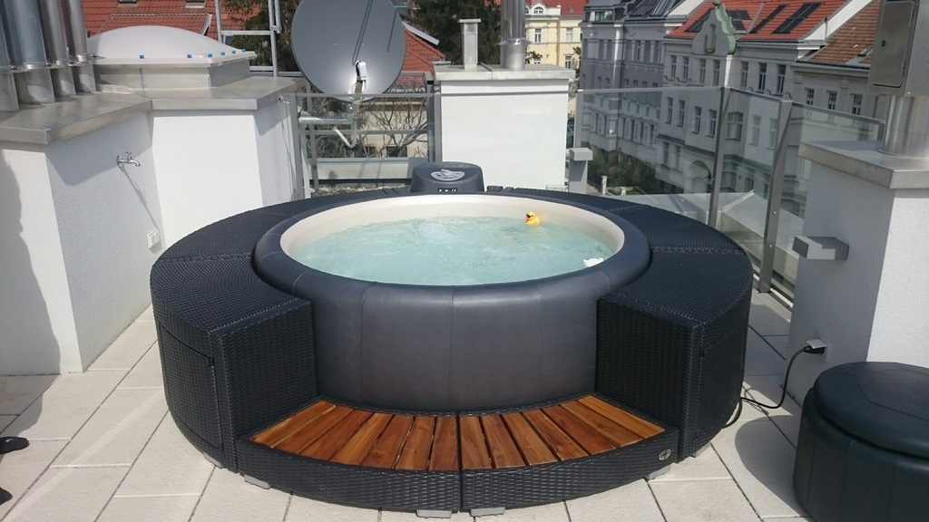 softub whirlpools. Black Bedroom Furniture Sets. Home Design Ideas