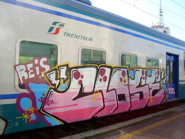 close-reis-v135 (7)