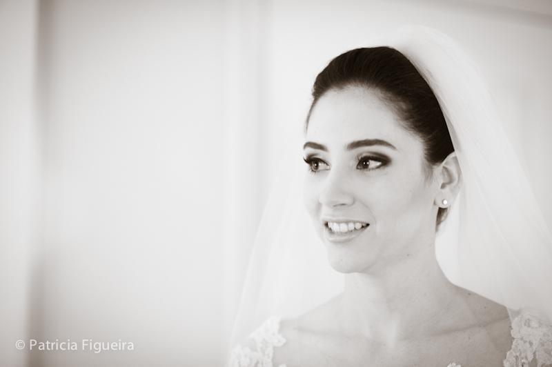 Foto de casamento 0247pb de Mônica e Rafael. Marcações: 03/09/2011, Casamento Monica e Rafael, Eduardo Jonata, Fotos de Maquiagem, Maquiagem, Maquiagem de Noiva, Rio de Janeiro.