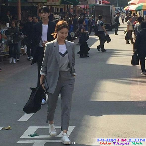 Cặp kè nữ thần mặt đơ, Thủy thần Nam Joo Hyuk lại càng đẹp trai - Ảnh 4.
