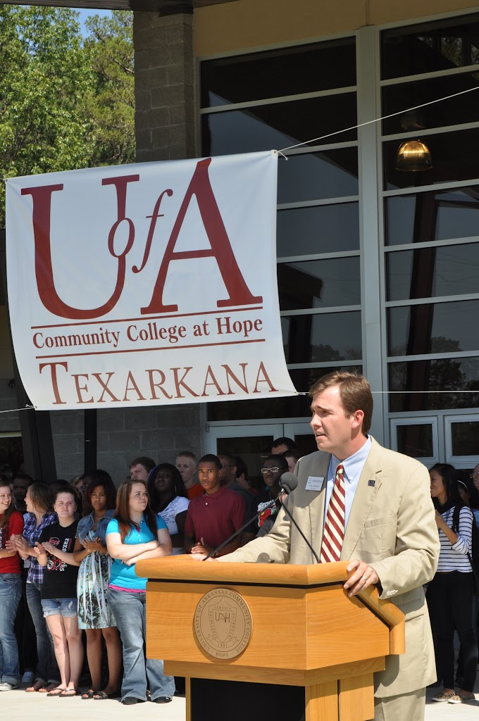 UACCH-Texarkana Ribbon Cutting - DSC_0372.JPG