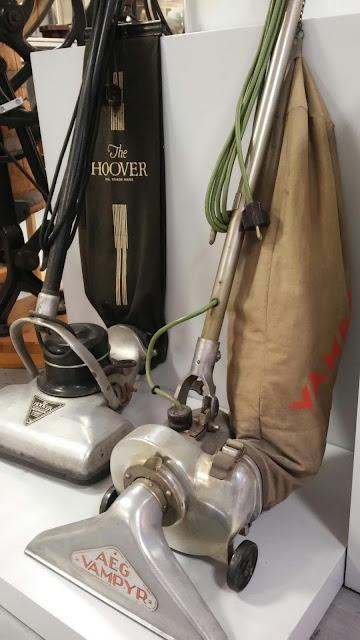Hoover und AEG: zwei alte Staubsaugermarken