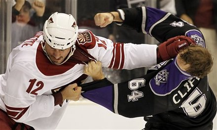 Paul Bissonnette vs Kyle Clifford