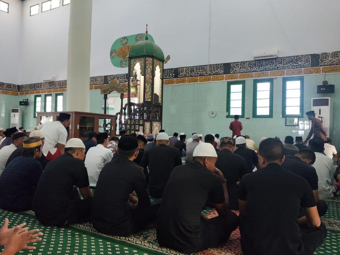 Pesan Kambtimas Brimob Bone di Masjid Raya Bone