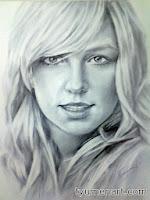 Портрет черно-белый, выполнен простым карандашом по белой бумаге, размер А3 (30Х40 см)