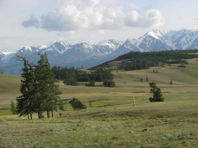 La Vallée de Kurai et la chaîne du même nom. Altaï, juillet 2009. Photo : Willem