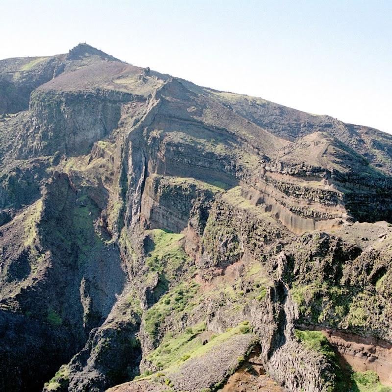 Madeira_41 Pico Ruivo Walk.jpg