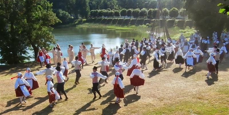 Tartumaa tantsupidu Pyha 2013 - P%25C3%25BCha_03.JPG