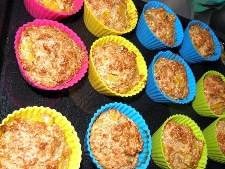 Muffinki z brzoskwiniami i ziarnami