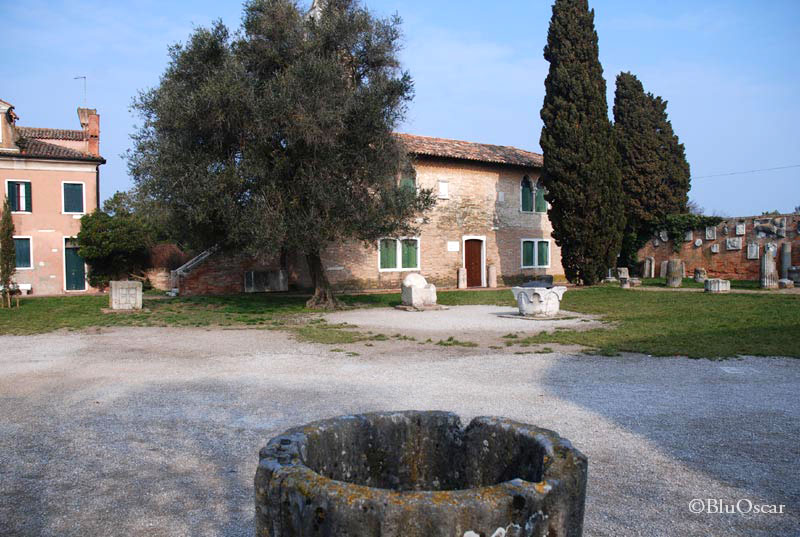 Piazza Torcello 16 03 2011 N22