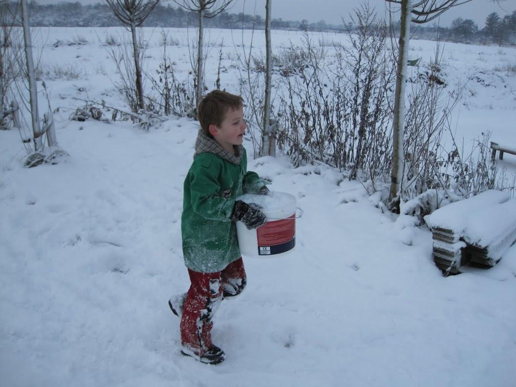 Welpen - Sneeuwpret en kerstbal maken - IMG_2711.JPG
