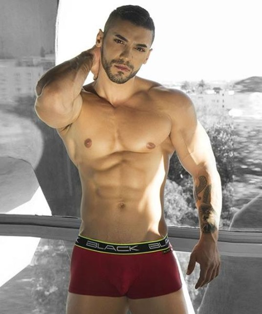 Arad Winwin for Black Trunks - Copy