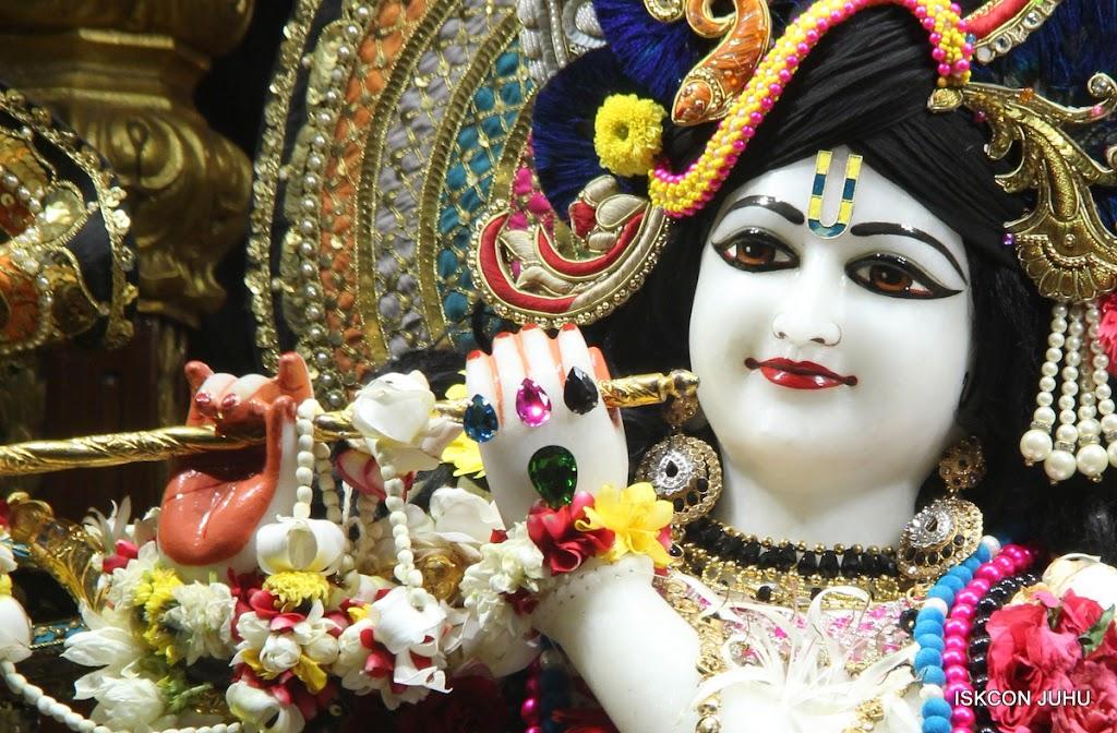 ISKCON Juhu Sringar Deity Darshan on 28th May 2016 (23)