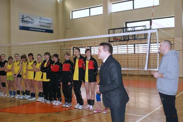 Zawody siatkarskie dziewczat 1 marca 2011 - DSC09279_1.JPG