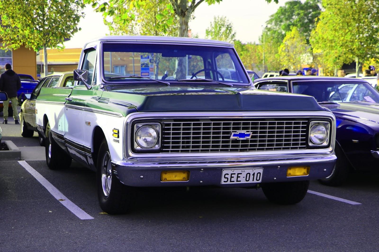 Chevrolet Cheyenne 10.jpg